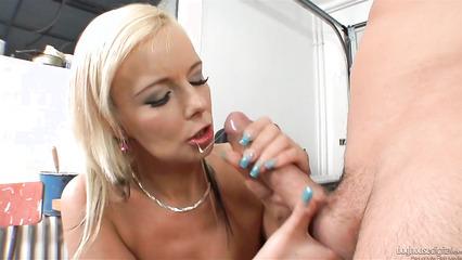Классный секс с гламурной нимфоманкой